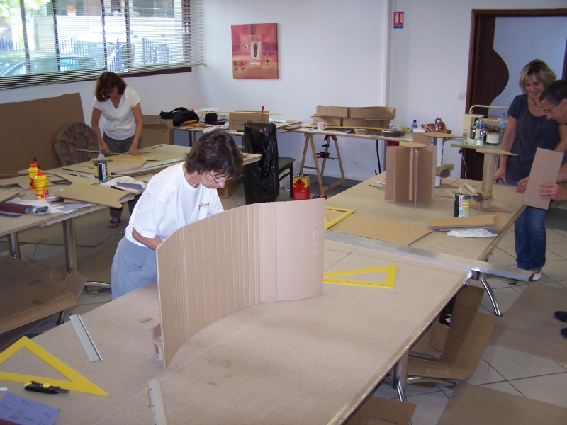 Atelier de formation la fabrication de meuble en carton - Fabrication de meuble en carton ...